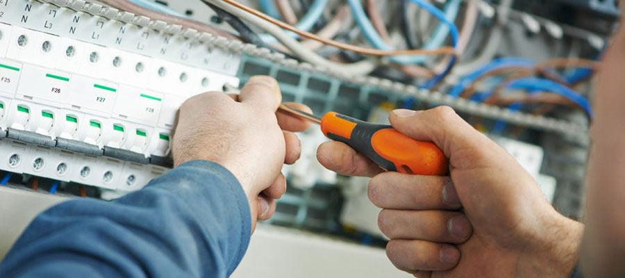 The Benefits of Becoming an Electrical Technician
